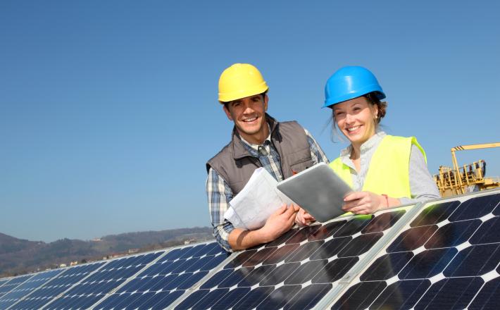 Lens helpt u graag een stap verder - onderhoud en beheer van uw zonnepanelen